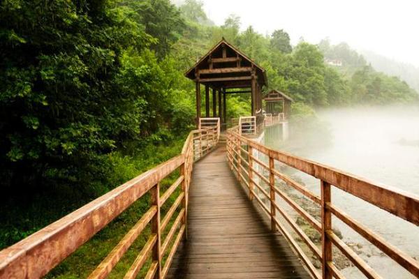 阿坝州汶川特别旅游区抡大锤游戏三分钟通关视频图片
